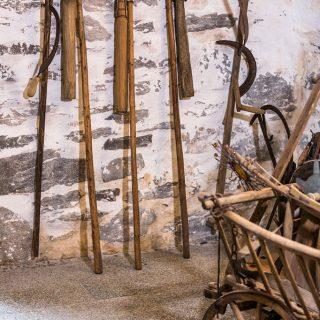 Geräte aus alten Bauernhofzeiten