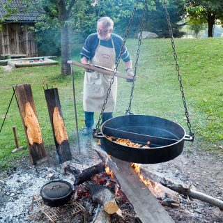 Siegfried beim Outdoor-Cooking