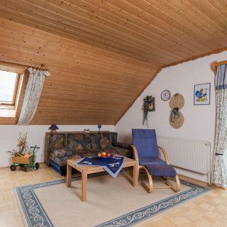 Wohnzimmer der Ferienwohnung Huhn