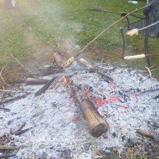 Stockbrot am Lagerfeuer
